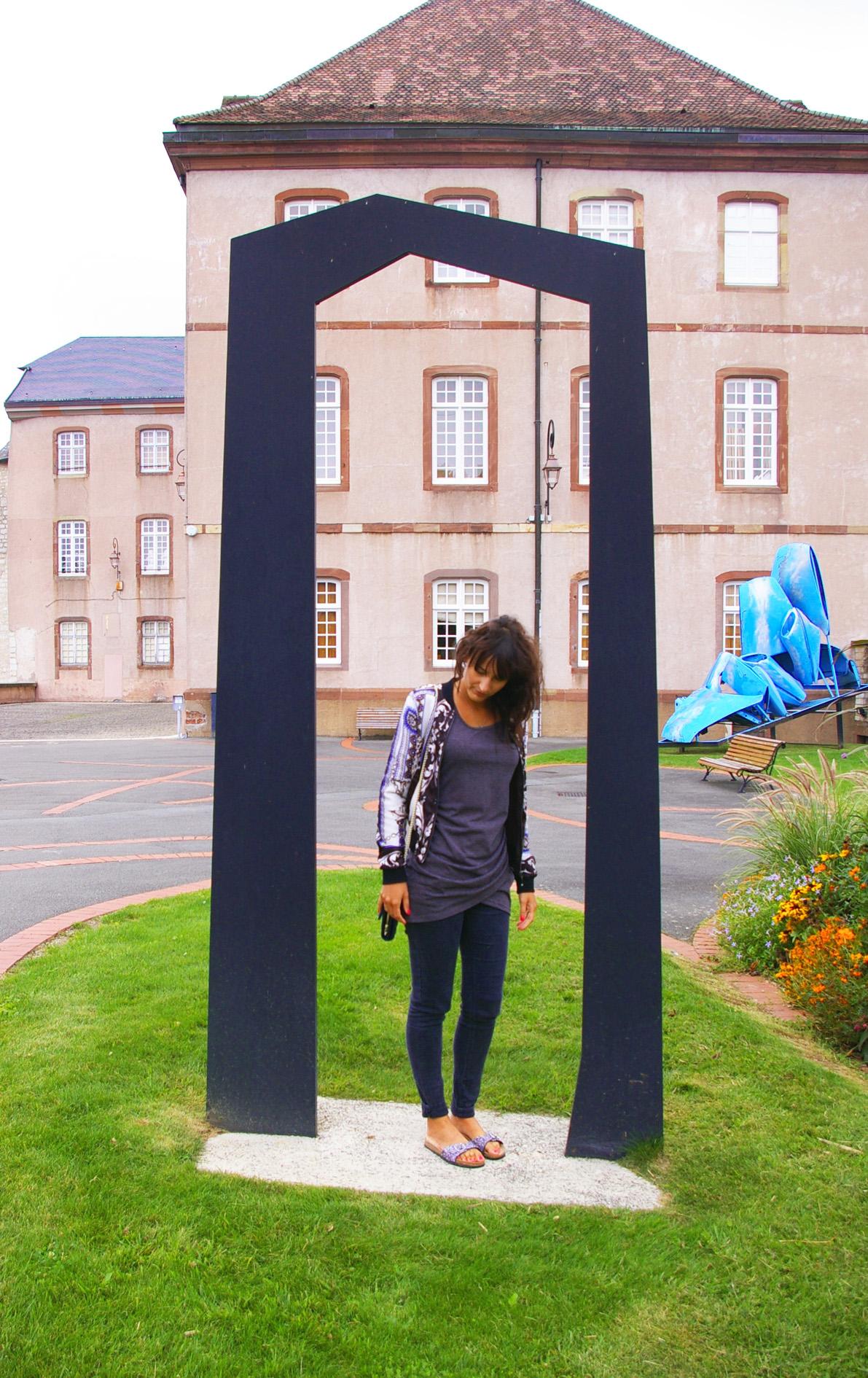 sculpture blue b