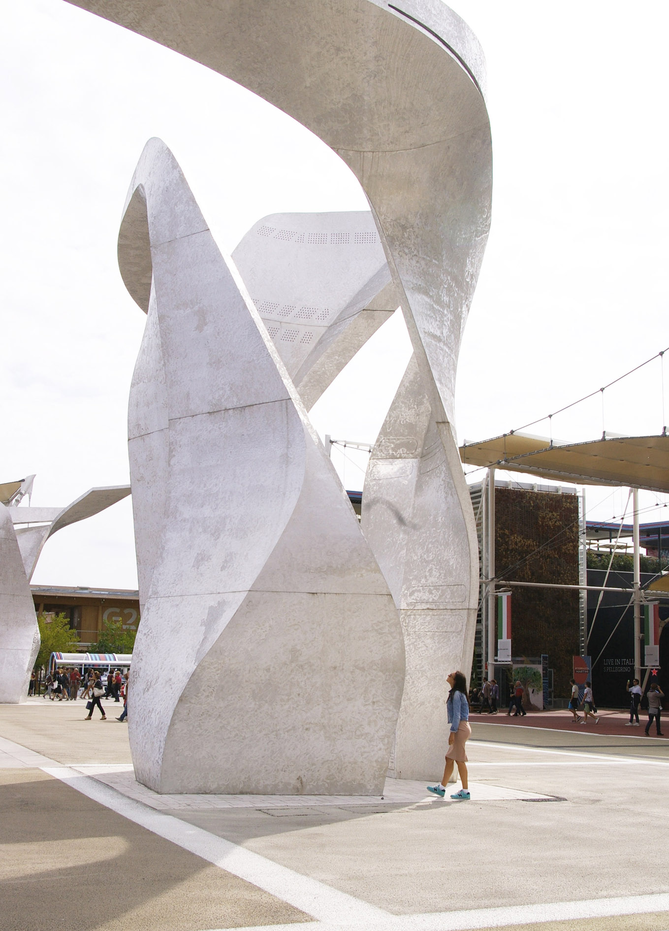 sculptural expo milan mohanita creationsb