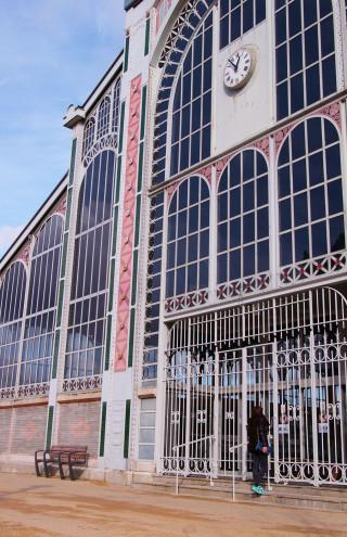 look au marché fréry de Belfort, architecture et mode mix