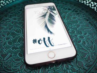 fond d'écran offert à télécharger gratuitement pour iPhone et smartphone vacances holidays