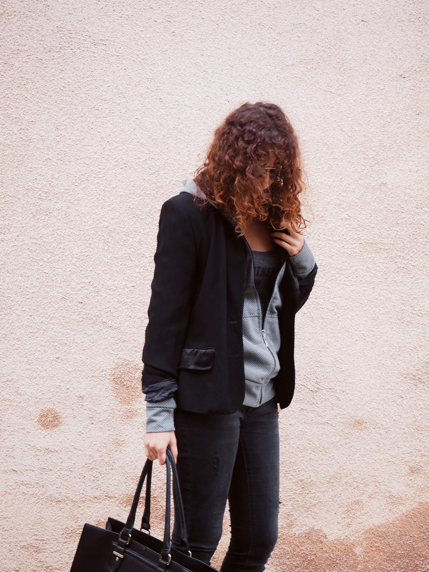 look automne femme women style cheveux boucles coiffeur jean louis david veste classique basic streewear sportswear bcbg jean vero moda sport body undiz